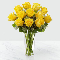 12 Yellow Roses in Vase